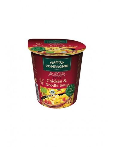 Vaso de sopa de pollo y tallarines...